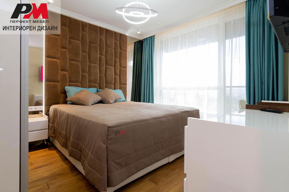 Луксозен интериор на спалня в шоколад и тюркоаз