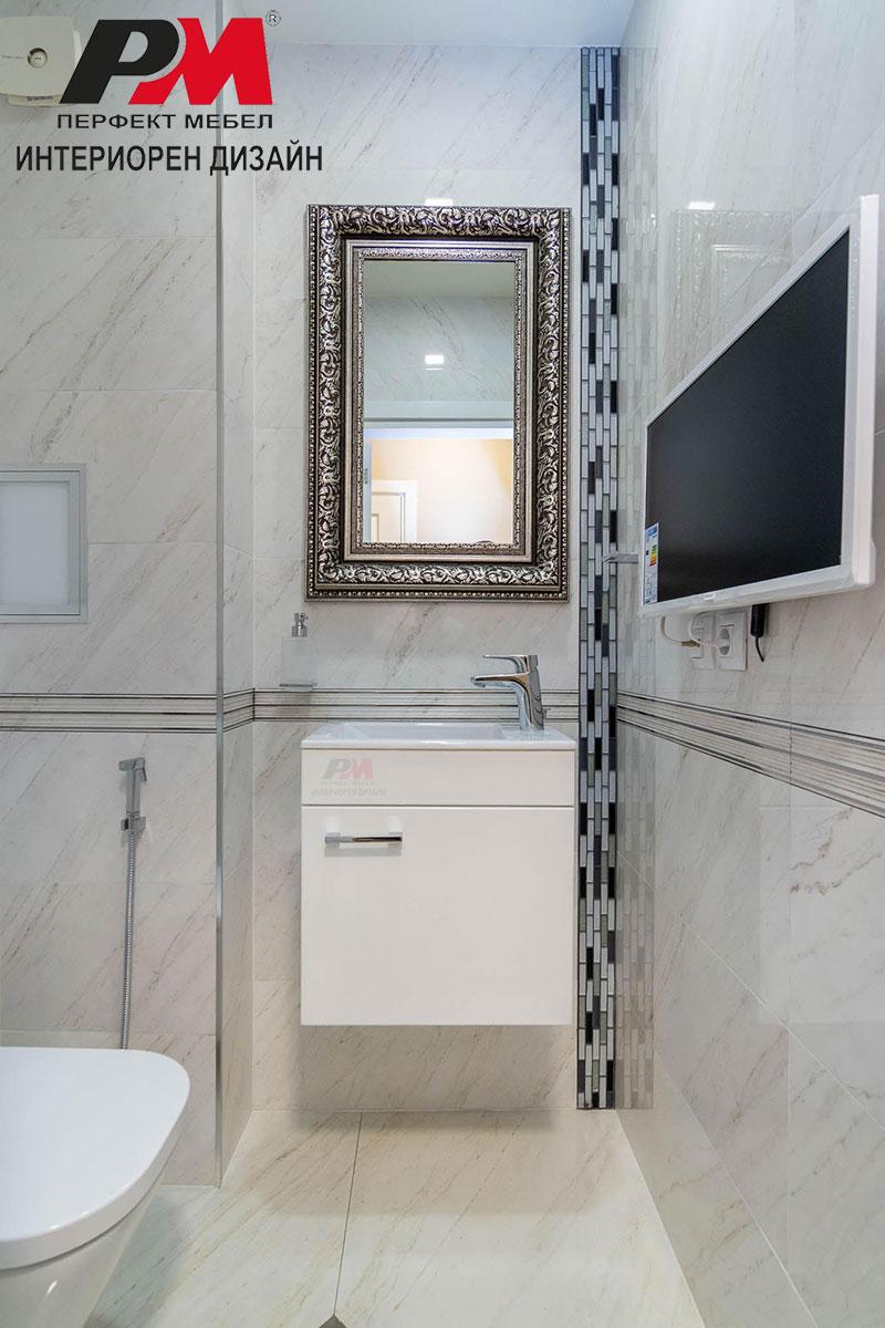 Изящество, разкош и стилно графично излъчване в малката баня