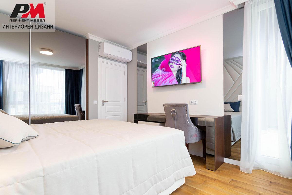 Стилен интериорен проект на съвременна спалня издържан в светла неангажираща гама