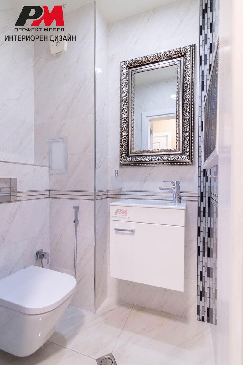 Стилно графично усещене и луксозен интериор на банята в съвременното градско жилище