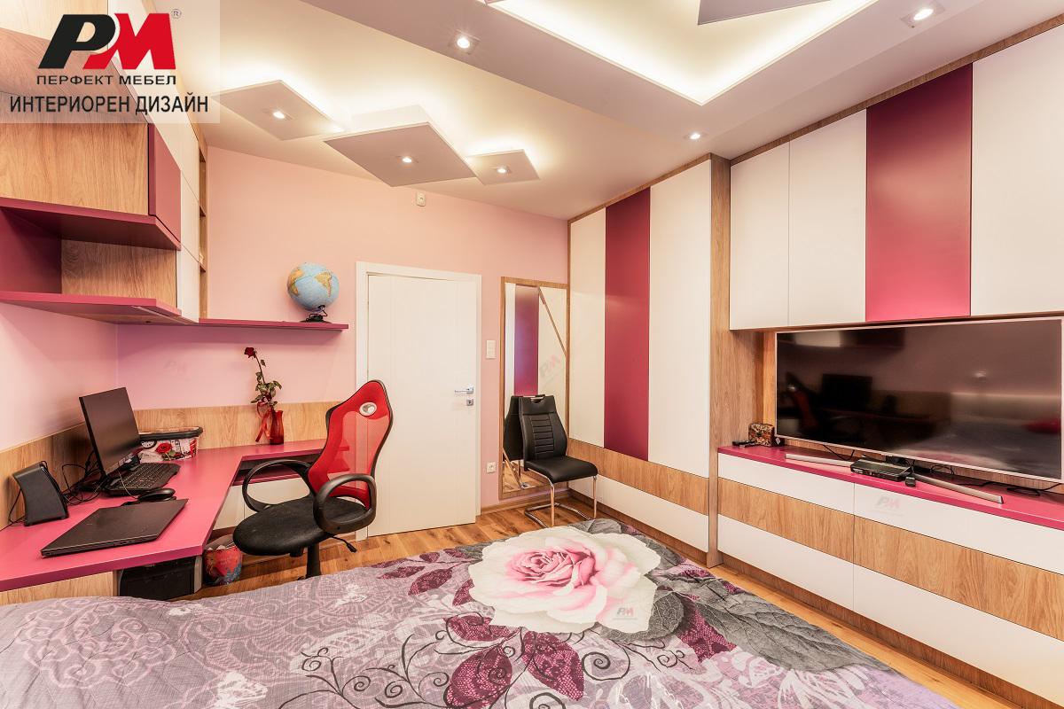 Колорит и нежност в интериора на детско-юношеска стая